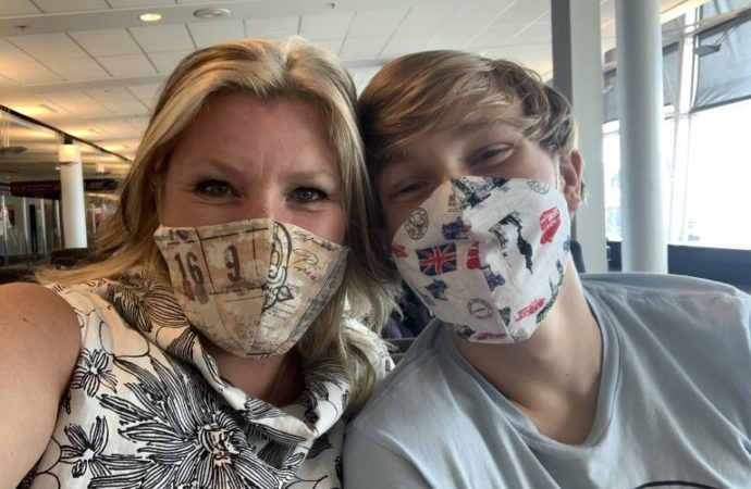 From Curb to Plane: Lorraine Simpson travels in a pandemic era